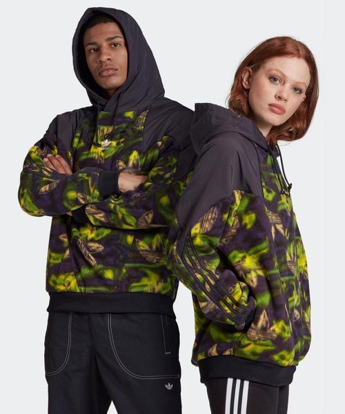 adidas(アディダス)の「ビッグ トレフォイル プリント ポーラーフリース パーカー / アディダスオリジナルス(パーカー)」 グリーン系カモフラージュ