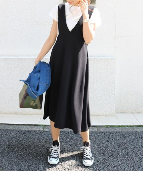 and Me(アンドミー)の「ミモレ丈ジャンパースカート サロペット Vネックワンピース(ジャンパースカート)」|ブラック