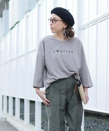 reca(レカ)のゆったりシルエット ロゴTシャツ -EMOTION-(Tシャツ/カットソー)