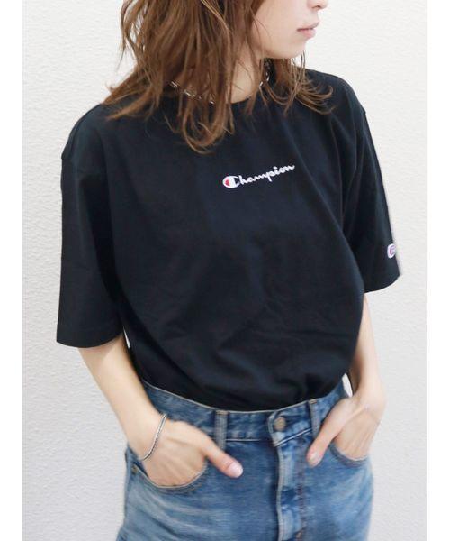 Champion(チャンピオン)の「Champion サイドスリットビッグTee(Tシャツ/カットソー)」 ブラック