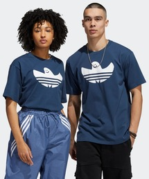 adidas(アディダス)の【アディダススケートボーディング】シュムーフォイル ロゴTシャツ(Tシャツ/カットソー)