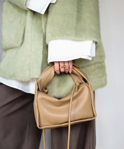 【chuclla】Twist handle square bag cha21a001