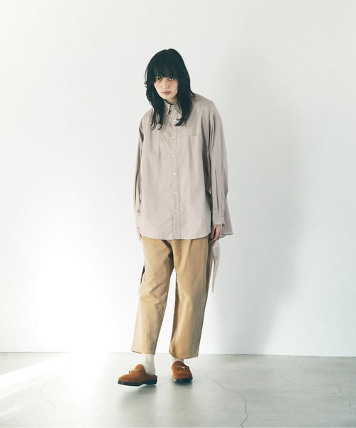 EMMA CLOTHES(エマクローズ)の「オーバーサイズ サイドスリットベルト ルーズスリーブシャツ(シャツ/ブラウス)」|詳細画像