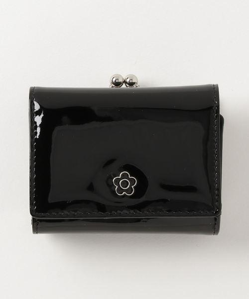 d4814462487f MARY QUANT(マリークヮント)の「エナメルエポデイジー ウォレット(財布)」|
