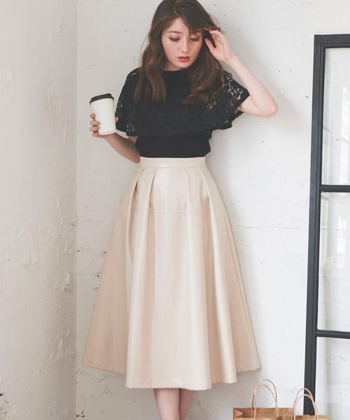 Noela(ノエラ)の「レザーフレアスカート(スカート)」 オフホワイト