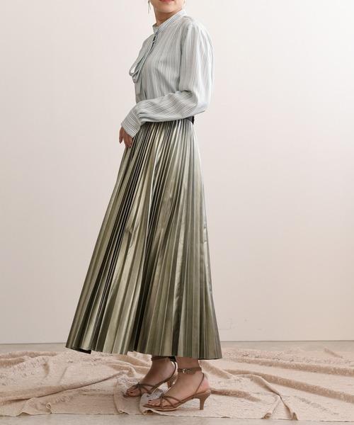 ホイルプリーツスカート