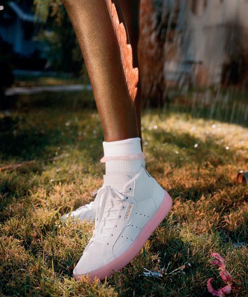 watch a5344 95e1f adidas(アディダス)の「アディダススリーク ミッドカット  adidas SLEEK MID W