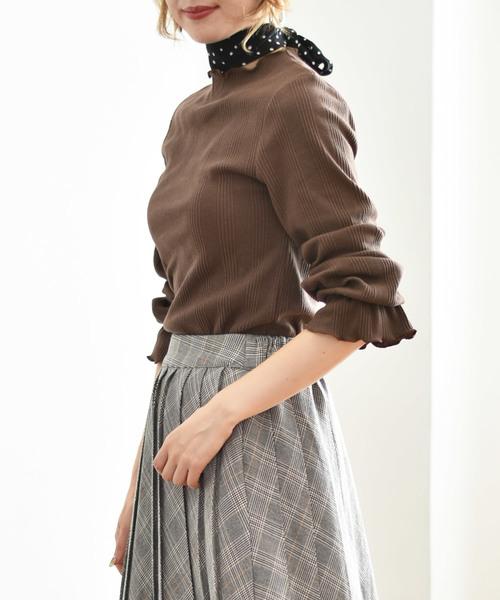 Emsexcite(エムズエキサイト)の「スカーフ付メロウリブカット(Tシャツ/カットソー)」|ダークブラウン