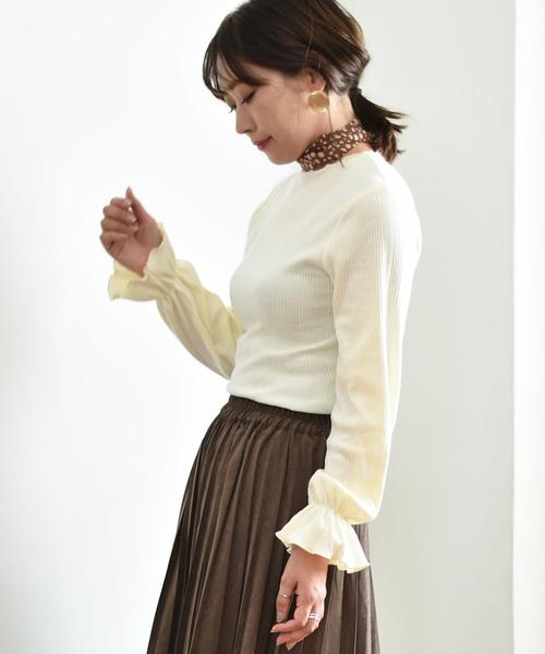Emsexcite(エムズエキサイト)の「スカーフ付メロウリブカット(Tシャツ/カットソー)」|オフホワイト