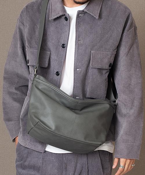 ★インフルエンサー多数着用★Rename 合皮 ダブルポケット ショルダーバッグ