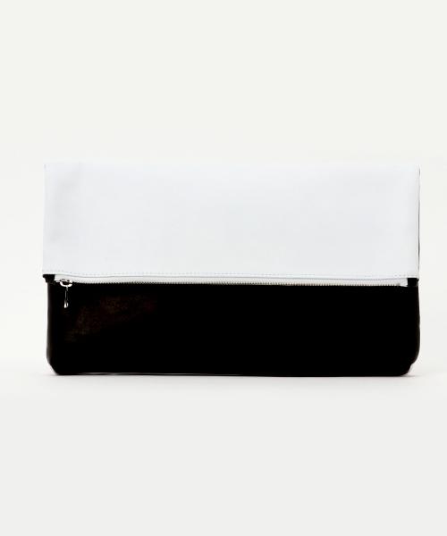 DECADE(ディケイド)の「cow leather クラッチバッグ(クラッチバッグ)」|ホワイト×ブラック