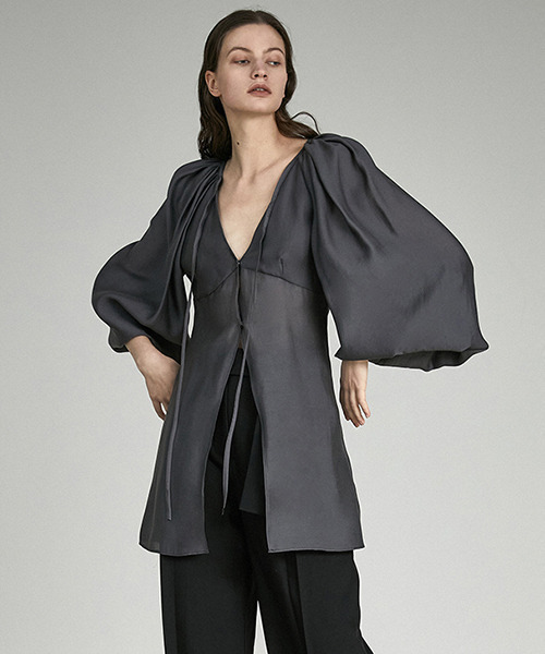 【UNSPOKEN】Volume sleeve blouse UX21S046