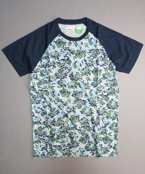 【BENCH】総柄ボタニカル花柄クルーネックTシャツ
