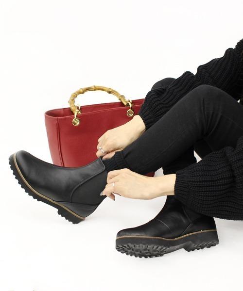 Fin(フィン)の「タンクソール厚底サイドゴアブーツ(ブーツ)」 ブラック