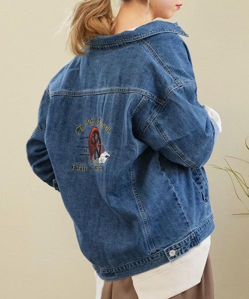 ANDJ(アンドジェイ)の「ロゴ刺繍入りデニムジャケット(デニムジャケット)」|ブルー