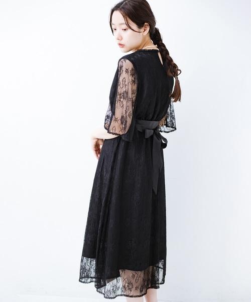 haco!(ハコ)の「【結婚式】ずぼらさんでも安心 カジュアル派の大人のためのレースが華やかな女っぽワンピース(ワンピース)」|ブラック
