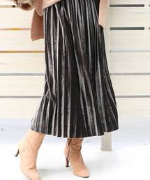 M y u(ミュー)のベロアプリーツスカート(スカート)