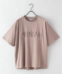 エンボスブランドロゴTシャツ 同色プリントベージュ