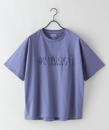 エンボスブランドロゴTシャツ 同色プリントダークブルー