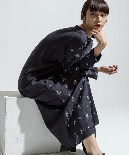 93e31e22ec2 ANREALAGE(アンリアレイジ)の「photochromic flower linen embroidery dress(ワンピース)」|