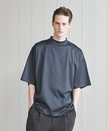 <H>GLOSSY SHORT MOCK NECK T-SHIRT/Tシャツ
