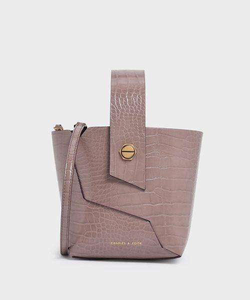 クロックエフェクトリスレットハンドル バケツバッグ / Croc-Effect Wristlet Handle Bucket Bag