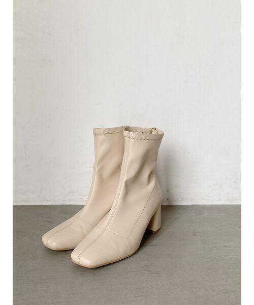 Ungrid(アングリッド)の「ストレッチフィットブーツ(ブーツ)」 アイボリー