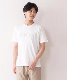 エンボスブランドロゴTシャツ 同色プリント ユニセックスホワイト