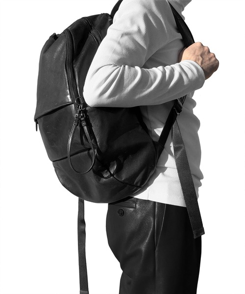 PATRICK STEPHAN(パトリックステファン)の「Leather backpack 'round double F' バックパック/リュック(バックパック/リュック)」 ブラック