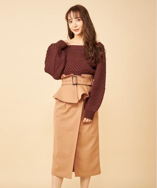 MIIA(ミーア)の「コルセットベルト付きタックタイトスカート(スカート)」|ベージュ