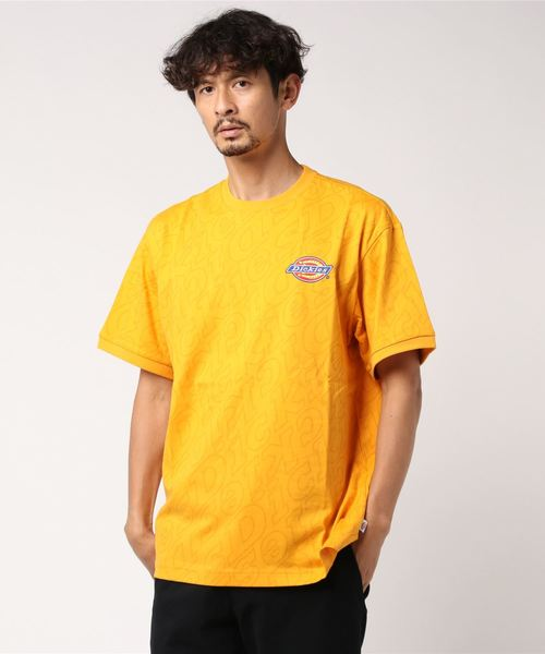 Dickies(ディッキーズ)の「【メンズ】総柄Dickiesロゴ刺繍入り半袖Tシャツ(Tシャツ/カットソー)」|オレンジ