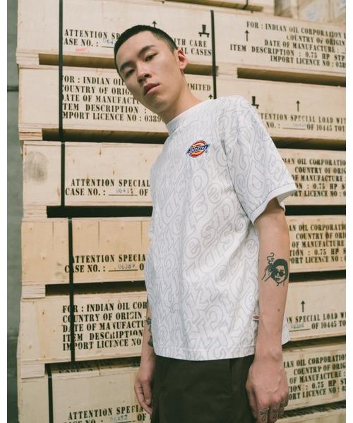 Dickies(ディッキーズ)の「【メンズ】総柄Dickiesロゴ刺繍入り半袖Tシャツ(Tシャツ/カットソー)」|ホワイト