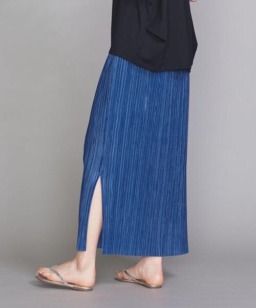 ノースリーブトップス×プリーツロングスカート