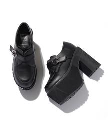 SPINNS(スピンズ)のボディーピアス風バックルデザインシューズ / フェイクレザー(ブーツ)