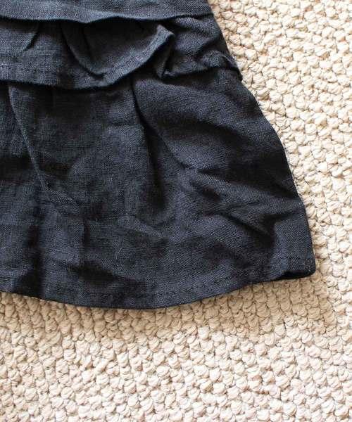 裾フリルが愛らしいふんわりリネントップス