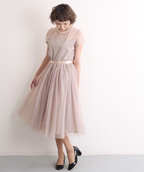 merlot plus(メルロープリュス)の「デコルテシースルーチュールスカートワンピース2404(ドレス)」|モカ