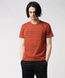 【OUTDOOR PRODUCTS】エンボスロゴTシャツ 同色プリント ブランドロゴレンガ
