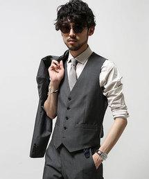 礼服の着こなしのルール3:【ベスト】グレーがオシャレ