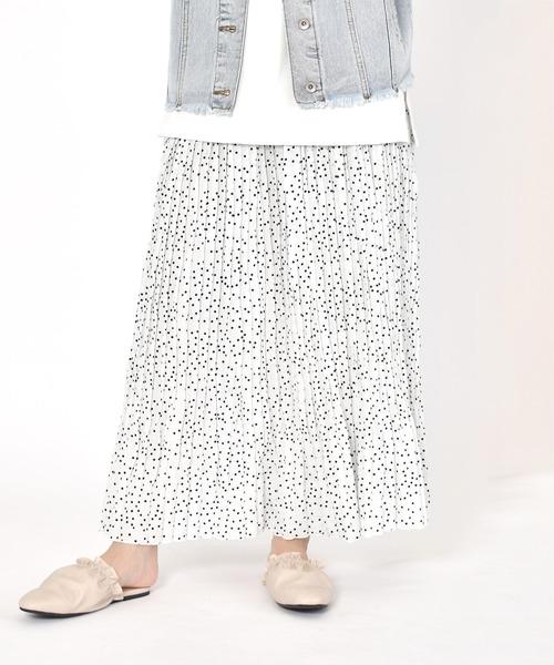 w closet(ダブルクローゼット)の「ドットランダムプリーツ×レースチュールリバーシブルスカート(スカート)」 オフホワイト