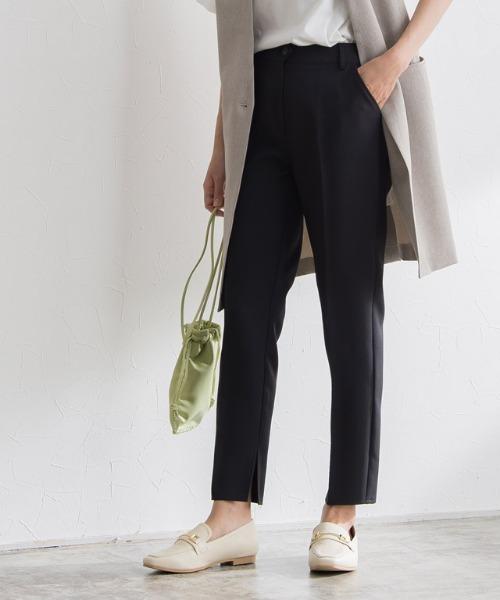 Pierrot(ピエロ)の「裾スリットストレートパンツ(その他パンツ)」|ブラック