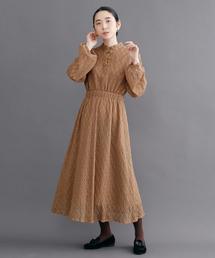 merlot plus(メルロープリュス)のチャイナボタンフラワー総レースドレス8044(ドレス)