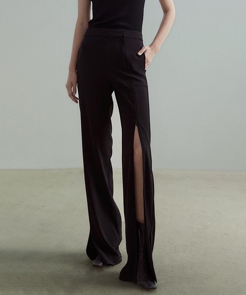 【UNSPOKEN】Deep slit pants UC21K025