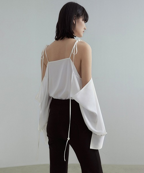 【UNSPOKEN】Off shoulder camisole blouse UC21S022