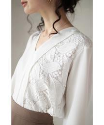 cawaii(カワイイ)のリーフ刺繍が織りなすシンプルなブラウス(シャツ/ブラウス)