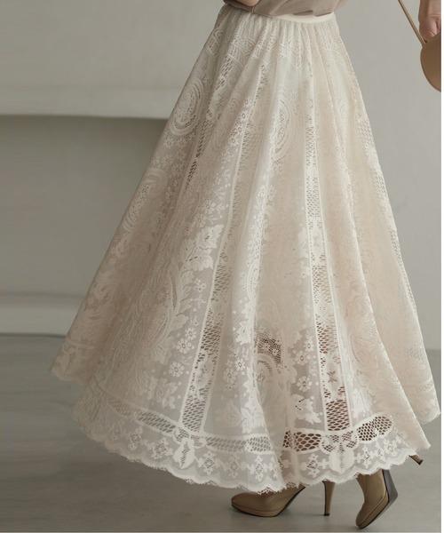 cawaii(カワイイ)の「ラクに履けて美しい。ゴージャスレースのミディアムスカート(スカート)」 ベージュ
