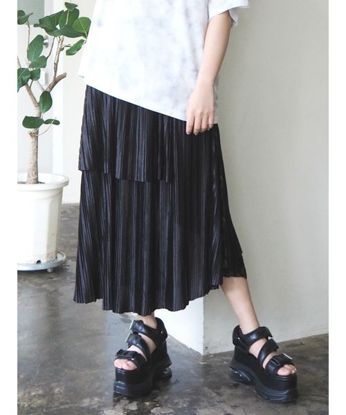 EVRIS(エヴリス)の「アシンメトリープリーツスカート(スカート)」|ブラック