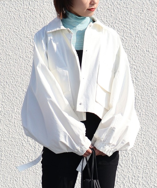 emesuelee(エメスーリー)の「ラグラン スリーブ ショート丈 BIGシルエット ジャケット(カバーオール)」|ホワイト