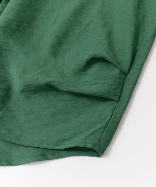 タックディテールシャツ