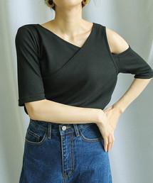select MOCA(セレクトモカ)のワンショルダーデザイントップス/五分袖変形リブ切り替えしVネックラインデザイン肩開きカットソー(Tシャツ/カットソー)