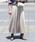 DouDou(ドゥドゥ)の「プリーツサテンスカート(スカート)」|ベージュ